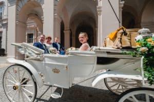 Trouwen in Salzburg Oostenrijk Koets