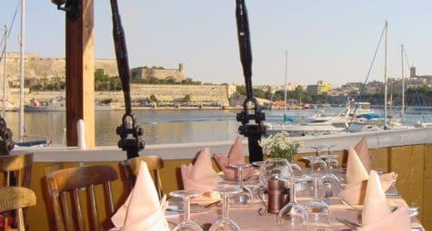 Trouwlocatie Malta Black Pearl upper deck by day