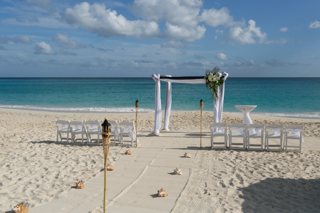 Trouwen op St. Maarten Mullet Bay Beach