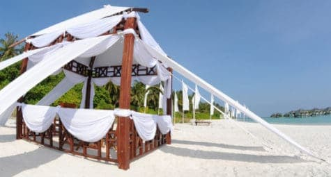 Sun Island Wedding Ceremony Hut op het strand