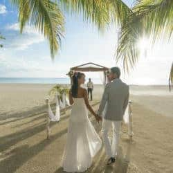 Couples Resorts Jamaica Trouwen